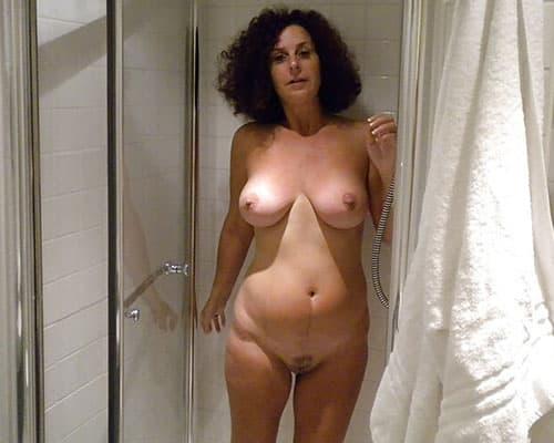 Dusch Sex mit Hausfrau aus Magdeburg